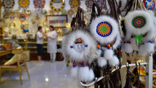 Kunsthandwerk-Herstellung hilft von Armut betroffenen Menschen in Innerer Mongolei