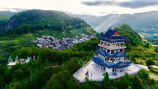 Tausendjähriges Dorf in Provinz Fujian durch ländlichen Tourismus wiederbelebt