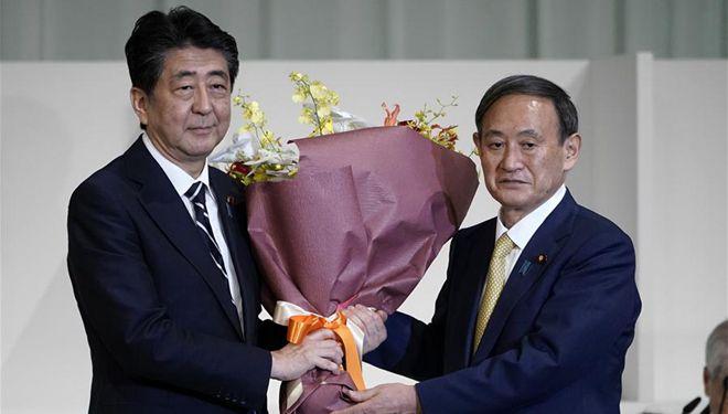 Yoshihide Suga zum Präsidenten der Regierungspartei Japans gewählt