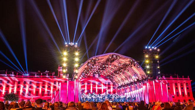 Sommernachtkonzert findet im Schloss Schönbrunn in Wien statt