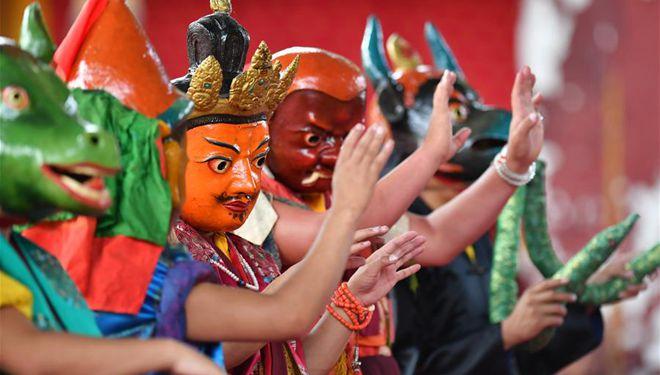 Veranstaltung in Tibet zum Gebet für gute Ernte und friedliches Leben abgehalten