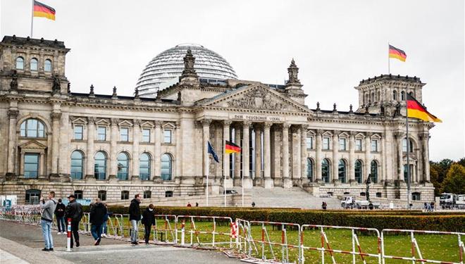 Deutschland meldet neuen Tagesrekord von COVID-19-Neuinfektionen