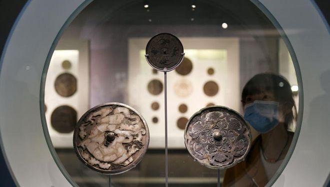 Ausstellung über alte chinesische Bronzespiegel im Nationalmuseum von China