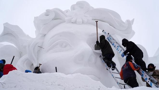 Sonneninsel in Harbin: Vorbereitungen für Schneeskulpturen-Ausstellung im Gang