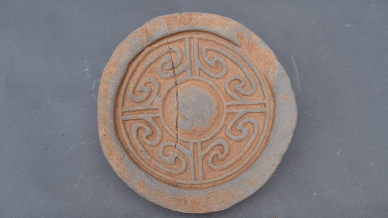 Kaiserliche Grabstätte in Zentralchina durch 1.800 Jahre altes Gefäß bestätigt