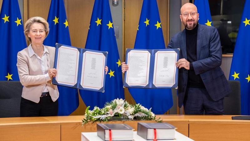 EU-Führung unterzeichnet Post-Brexit-Handelsabkommen