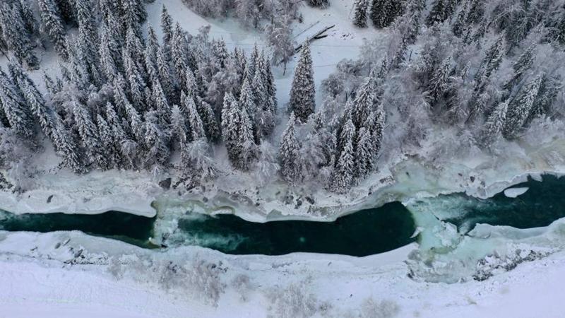 Schneelandschaft in Kanas von Chinas Xinjiang