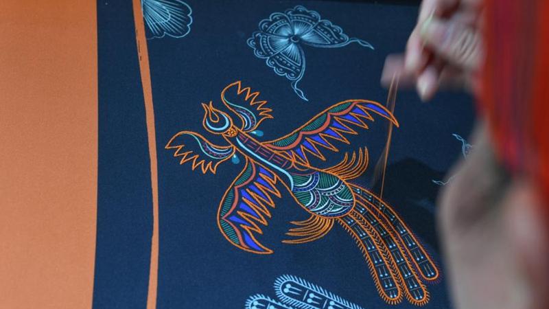 Stickerei hilft einheimischen Frauen in Guizhou bei Einkommenserhöhung