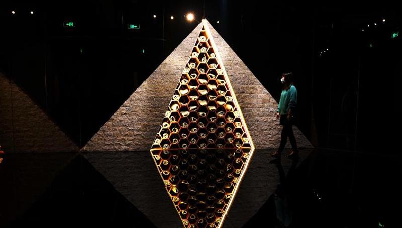 """Ausstellung über """"Die drei Sonnen"""" in Shanghai veranstaltet"""
