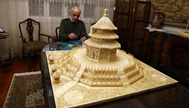 Ein Ägypter baut Chinas Himmelstempel mit 22.000 Streichhölzern