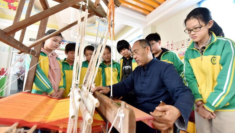 Schulen im Kreis Weixian führen immaterielles Kulturerbe in den Unterricht ein
