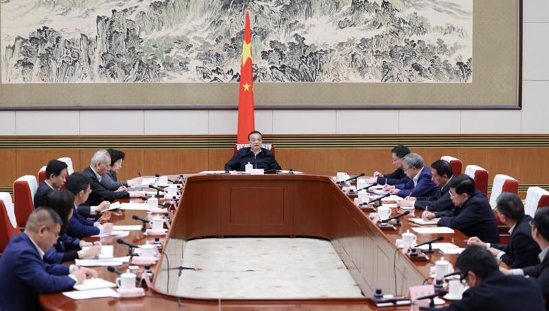 Chinesischer Ministerpräsident betont Konsolidierung der stabilen Wachstumsdynamik
