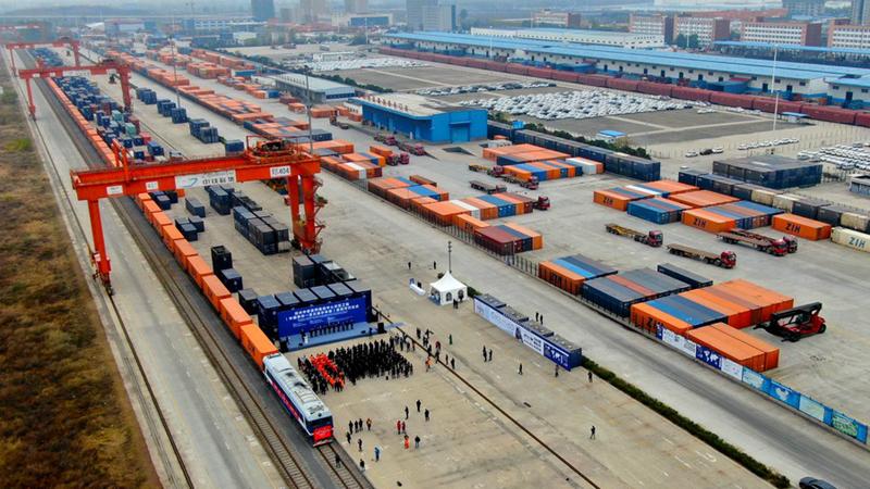 Interview: Finnischer Minister sieht großes Potenzial im China-Europa-Güterzugverkehr