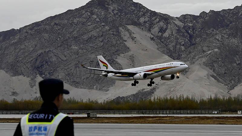 China genehmigt Bau von drei neuen Flughäfen in Tibet